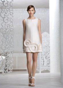 Esküvői ruha egyszerű vágás