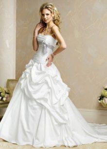 Csodálatos Taffeta esküvői ruha