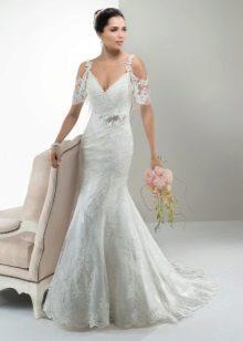 Szatén és csipke esküvői ruha