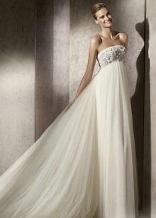 Сватбена рокля за майчинство с декорирани елече