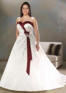 Vestit de núvia amb elements vermells