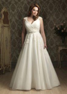 Vestit de núvia per a núvies completes amb puntes