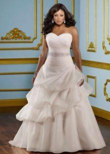 Vestit de núvia blanc per brunes completes