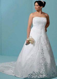 Vestit de núvia amb tren i puntes per a la núvia completa