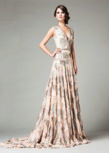 Bézs estélyi ruha virágos nyomtatással