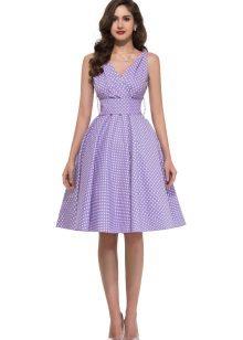 Měkké fialové šaty