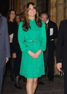 Kate Middleton on vaatimaton smaragdi-mekko