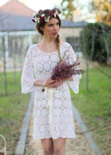 Kötött esküvői ruha nyitott hátsó elemekkel