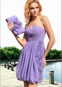 Pakaian malam lilac dengan skirt lonceng
