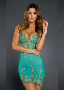 Short turquoise dress with embroidery
