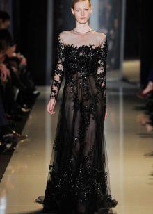 Vestido de noite pelo designer Elie Saab