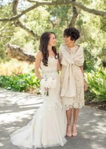 Elegante vestido de noite para a mãe da noiva