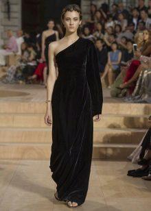 pakaian malam pada satu bahu yang diperbuat daripada kain tebal