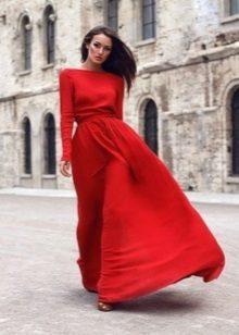 Pakaian malam merah dengan lengan baju