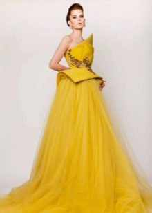 Fluffy evening dress yellow chiffon