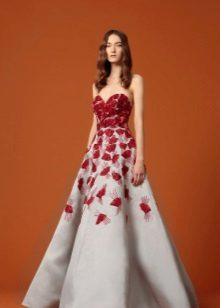 Rochie de seară albă și roșie