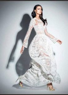 White lace dress ni Zuhair Murad