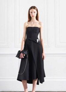 Short evening dress with open shoulders