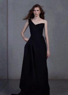 Black evening dress na may isang bra