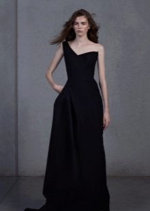 Black evening dress with one bra
