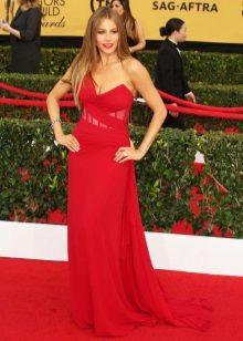 Rode jurk met een rode loper