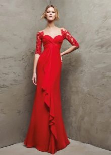 Red evening dress na may lace sleeves