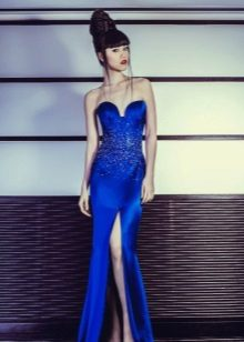 Blue evening dress na may slit