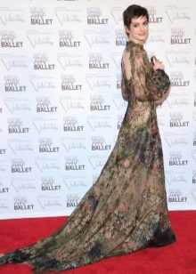 Vestido de noite com a ilusão de uma volta aberta En Hathaway