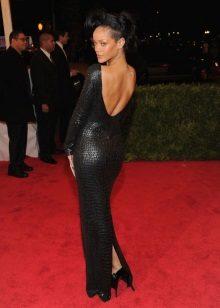 Vestido de noite preto com costas abertas Riana
