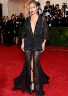 Iltapuku Beyonce Givenchy 2014: sta