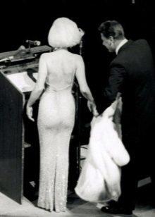 Marilyn Monroen mekko, jossa on tekojalokivi
