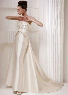 Esküvői ruha gyöngyökkel