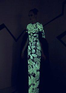 caso luminoso vestido de noite