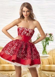 Piros estélyi csipke ruha