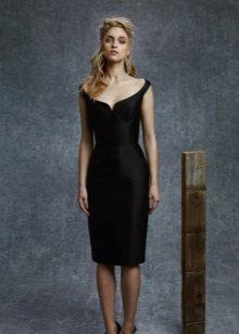 Zwarte jurk met bandjes