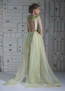 Vestido de noite sexy com a silhueta aberta
