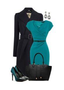 Vestido turquesa com acessórios pretos