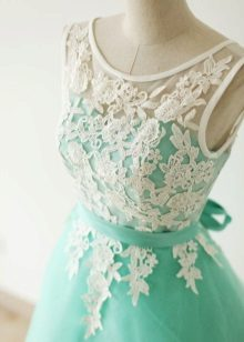 Vestido turquesa com branco