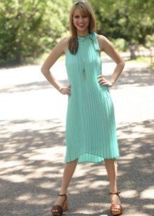 Comprimento médio de vestido de verão turquesa