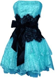 Zwarte en blauwe jurk
