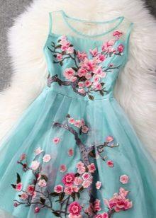 Blue dress na may floral print