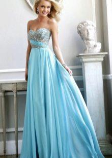 Hemelsblauwe jurk