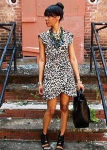 Leopar şal elbise