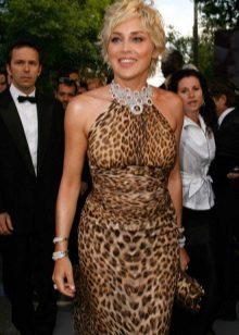 Leopar elbise için aksesuar ve süslemeler