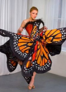 Orange na may itim at puti - butterfly dress