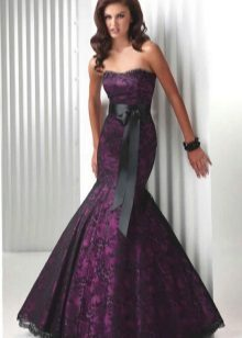 Eggplant color in combination with black