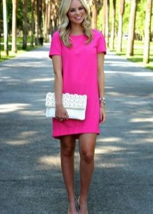 White clutch and silver shoes for a fuchsia dress