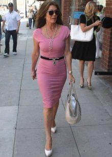 Bright shoes and handbag, black strap to fuchsia dress