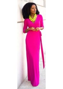 Fuchsia dress in combination with yellow accessories