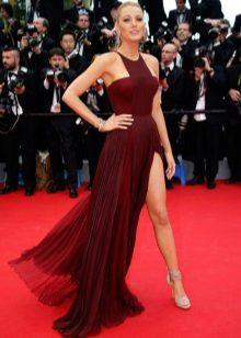 Amy Adams Marsala-mekko